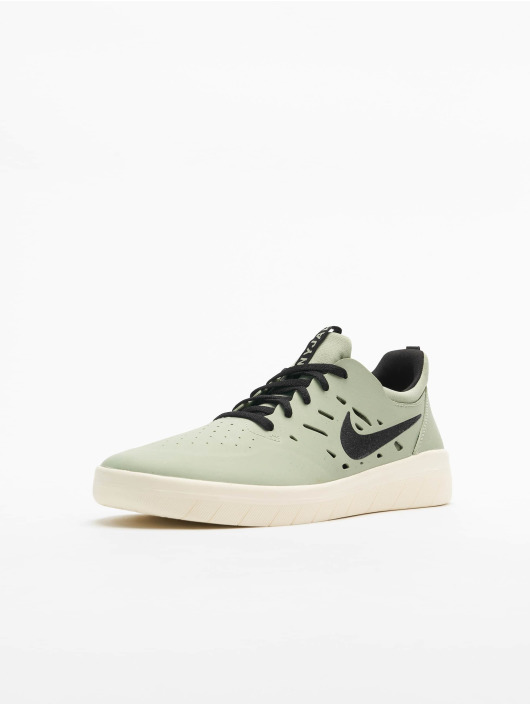 Nike SB Сникеры Nyjah Free зеленый