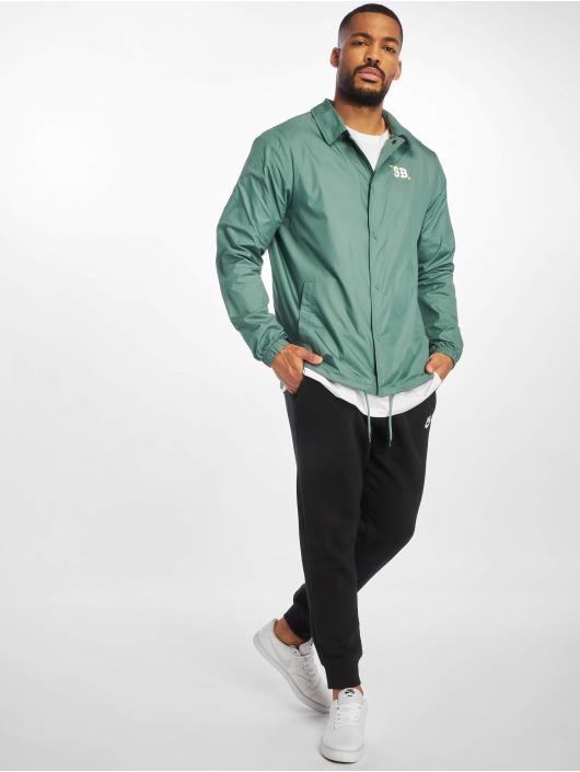 Nike SB Chaqueta de entretiempo Shield SSNL CCHS verde