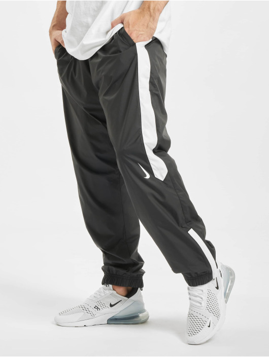 Nike SB Jogginghose Shield Swoosh schwarz