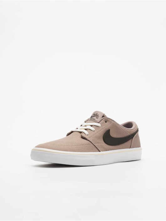 Nike SB Sneaker SB Solarsoft Portmore II braun