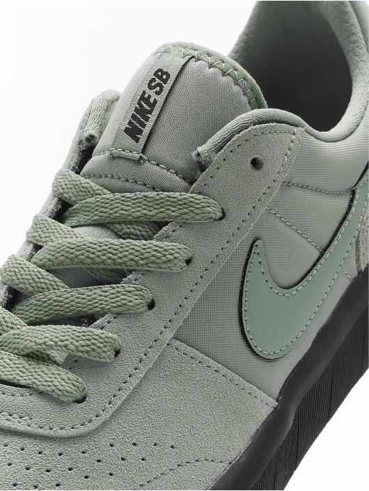 Nike SB Sneaker Team Classic grün