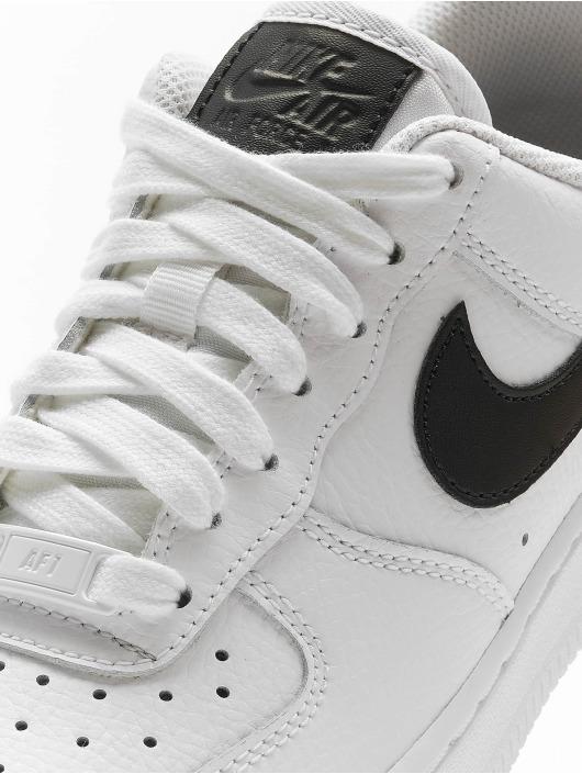 Nike SB Sneaker Air Force 1 '07 weiß