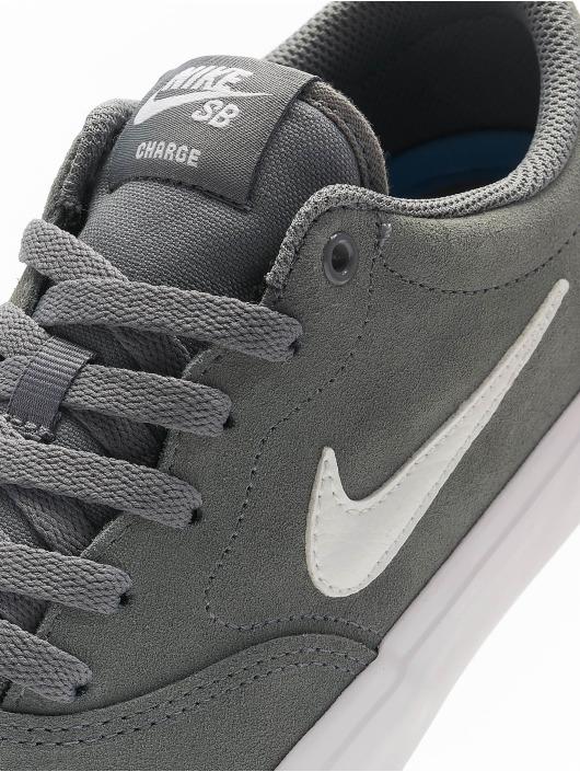 Nike SB Sneakers Charge Suede šedá