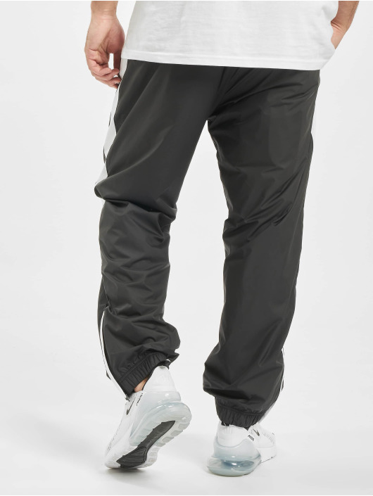 Nike SB Spodnie do joggingu Shield Swoosh czarny