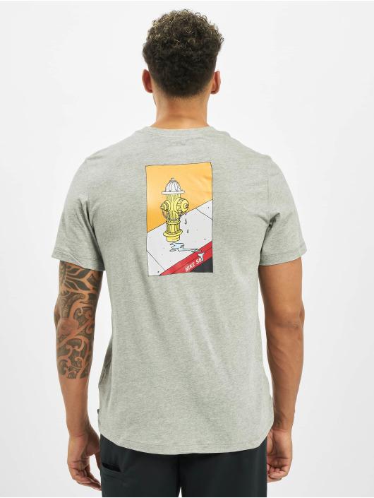 Nike SB T-Shirt Lincon & 17th grau