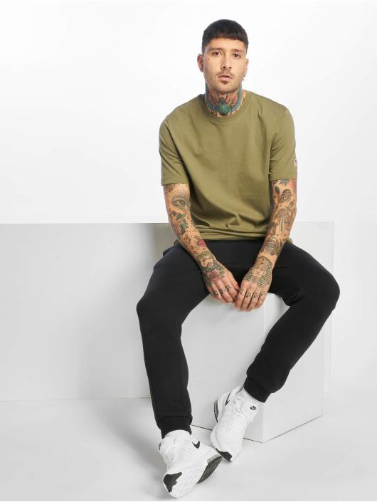 Nike SB T-skjorter SB Essential oliven