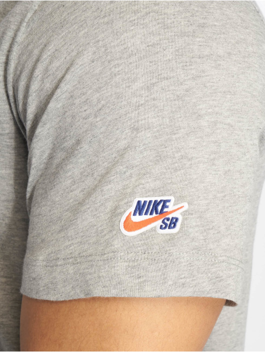 Nike SB Tričká Basic šedá