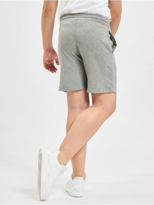 Nike Shorts AA grau