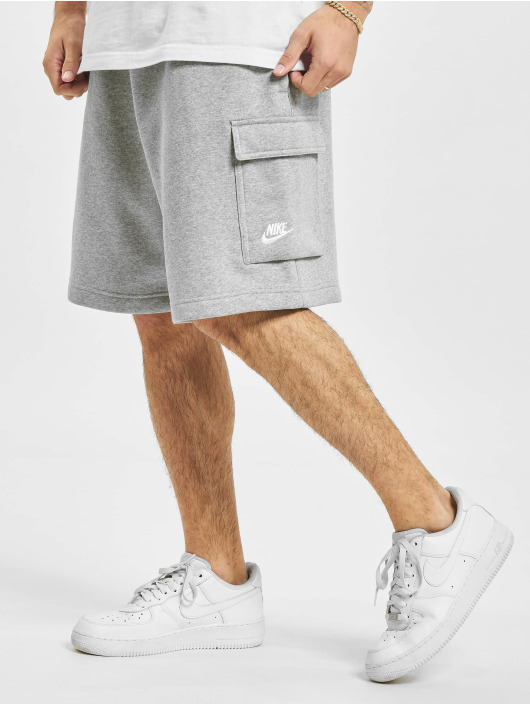 Nike Shorts Club Cargo grau