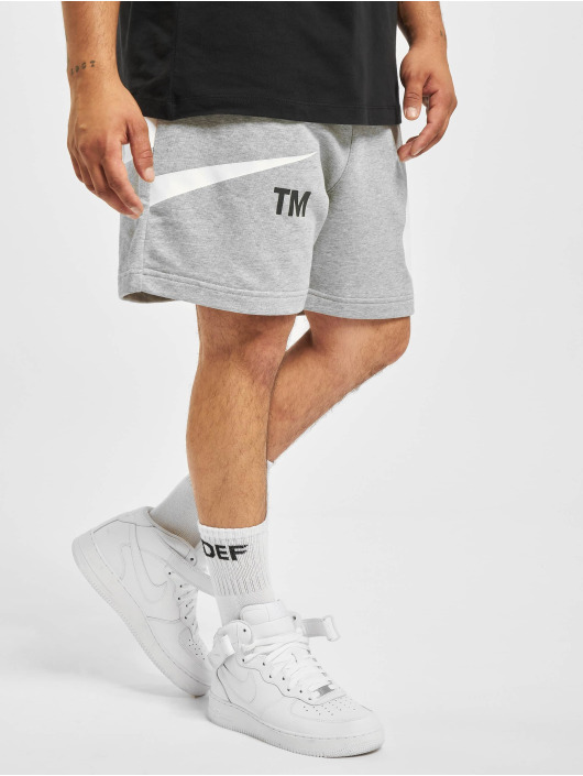 Nike Shorts Swoosh grau