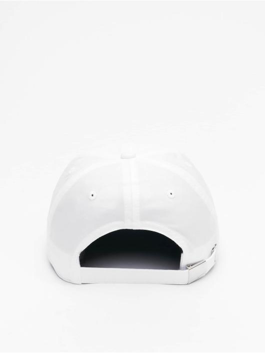 Nike Snapback Cap Metal Swoosh Fitted weiß