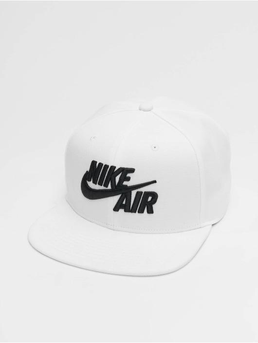 2b44c99640a Nike Cap / snapback cap Pro Air Classic in wit 667617