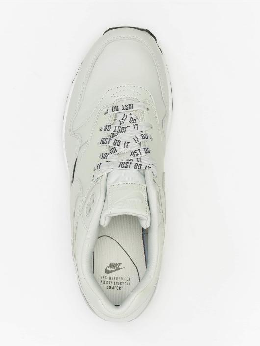 Nike Sneaker Max 1 SE grau