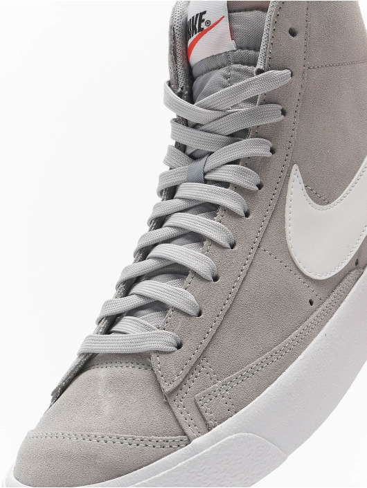 Nike Sneaker Blazer Mid '77 Suede grau