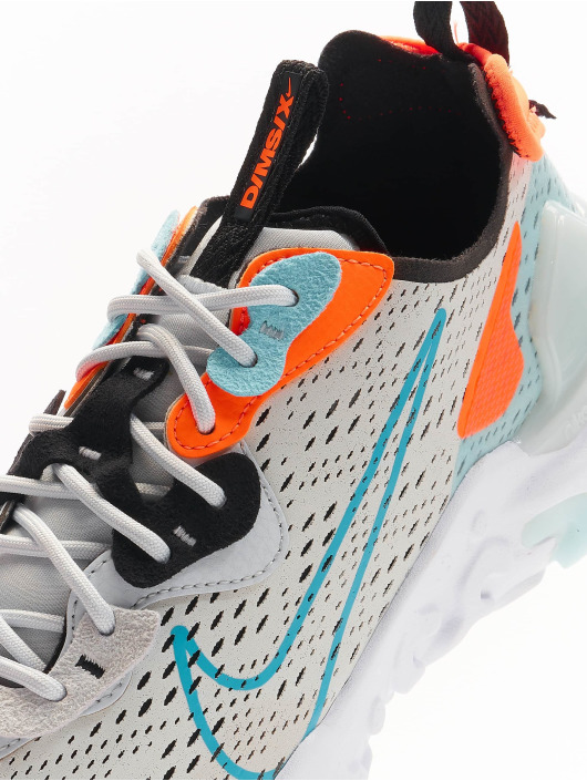 Nike Sneaker React Vision grau