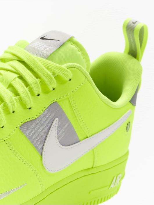 Nike Sneaker Air Force 1 '07 Lv8 Utility grün