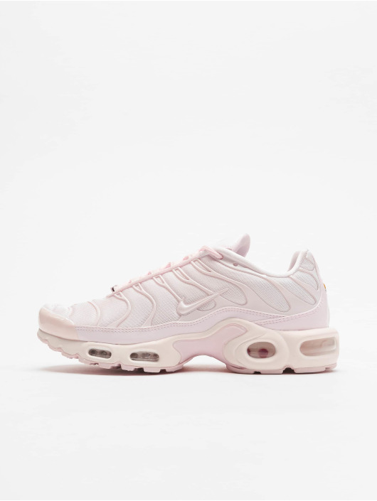 new product 7c6d3 47bcd Nike Air Max Plus TN SE Sneakers Pale Pink/Pale Pink/University Red
