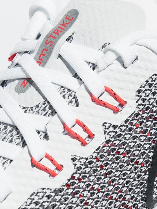 Nike Sneaker Zoom Strike Running weiß