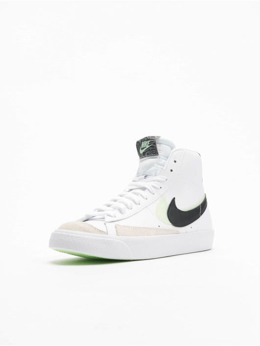 Nike Sneaker Blazer Mid '77 Se (GS) weiß