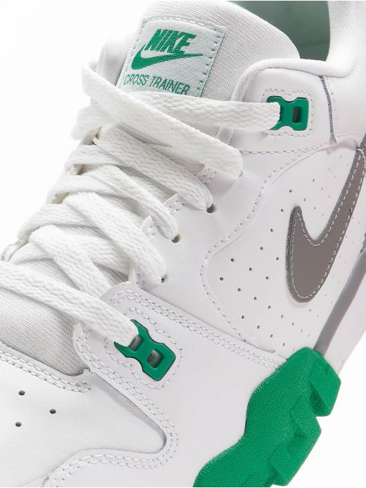 Nike Sneaker Cross Trainer Low weiß