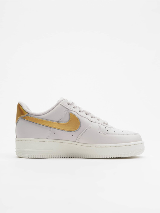 Nike Sneakers Air Force 1 07 Metallic šedá