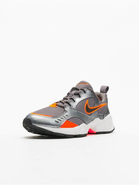 Nike Sneakers Air Heights šedá