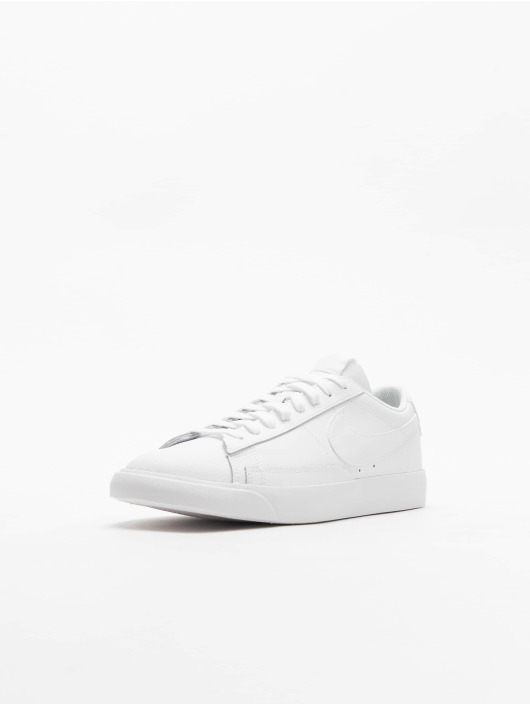 Nike Sneakers Blazer Low LE bialy