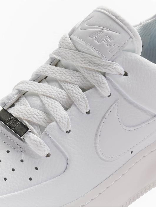 Nike Sneakers Air Force 1 Sage Low biela