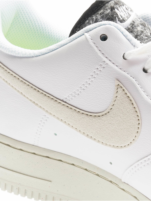 Nike Sneakers Wmns Air Force 1 '07 Se biela