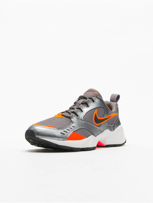 Nike Sneakers Air Heights szary