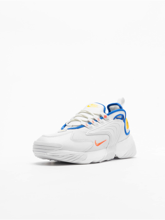 ansluta Nike Plus skor