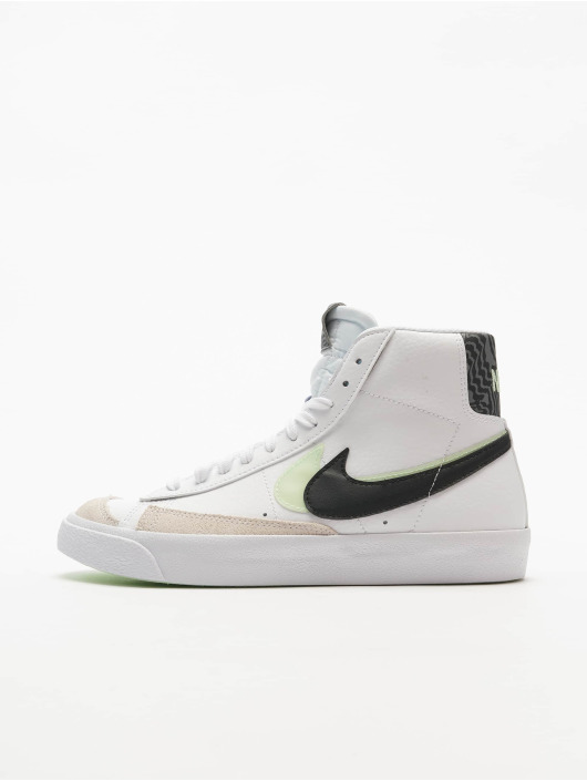 Nike Sneakers Blazer Mid '77 Se (GS) white