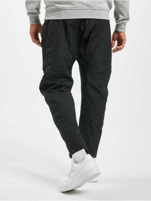 Nike Spodnie Chino/Cargo Tech Pack Woven Quillted czarny