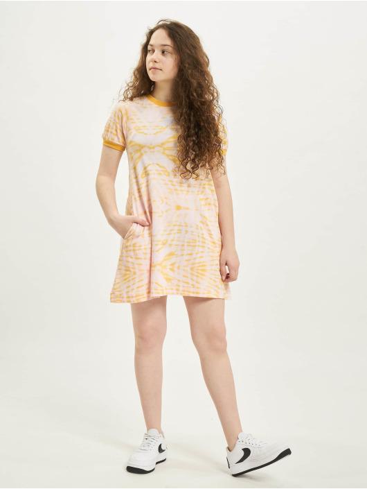 Nike Sukienki AOP rózowy