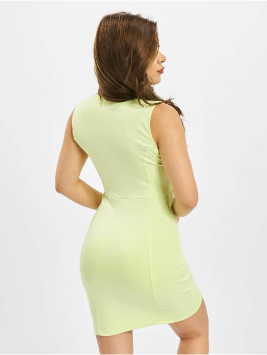 Nike Sukienki Air Midi zielony