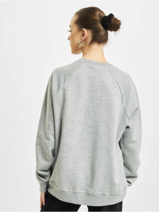 Nike Svetry Essential Crew Fleece šedá