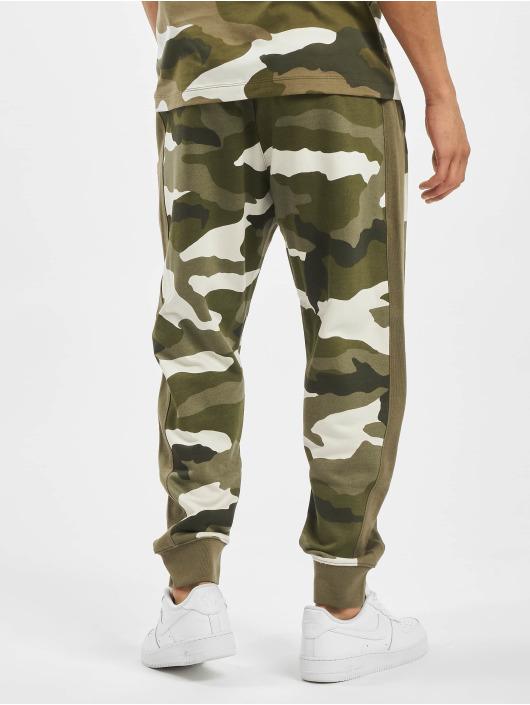 Nike Sweat Pant Club FT Camo olive