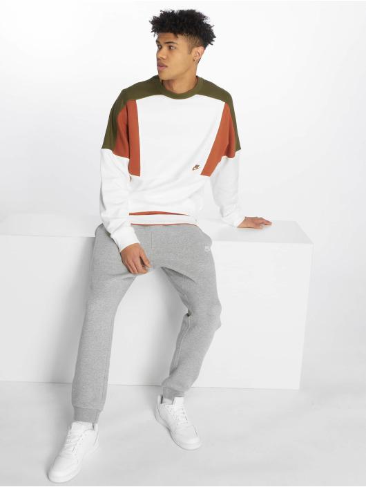 Nike Swetry Sportswear bialy