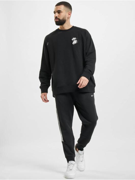 Nike Swetry Crew Worldtour czarny