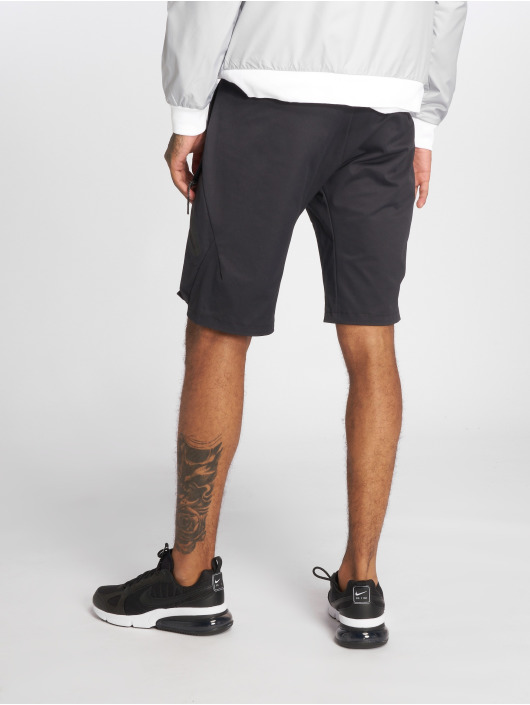 Nike Szorty Sportswear Tech Pack czarny