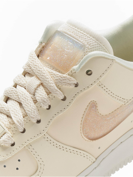 Nike Tøysko W Air Force 1 '07 Se Prm Low Top beige