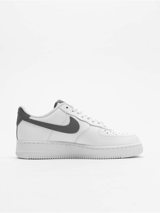 Nike Tøysko Air Force 1 '07 Lv8 hvit