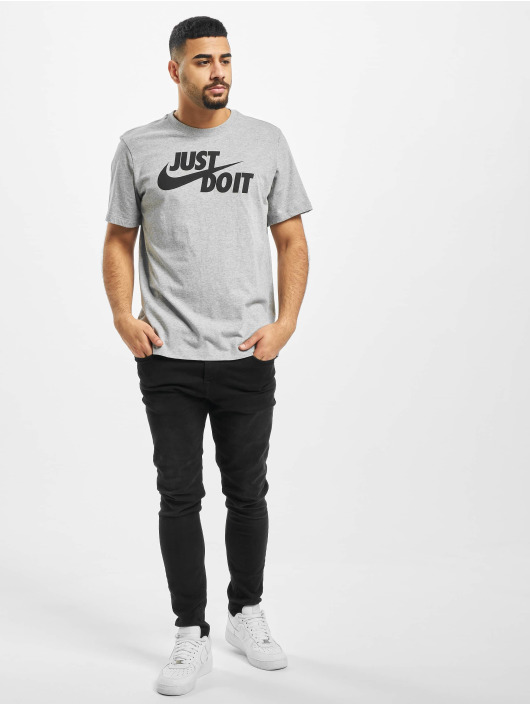 Nike T-paidat Just Do It Swoosh harmaa