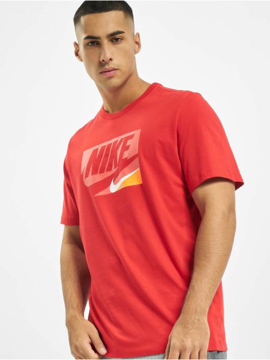 Nike T-paidat Sportswear punainen