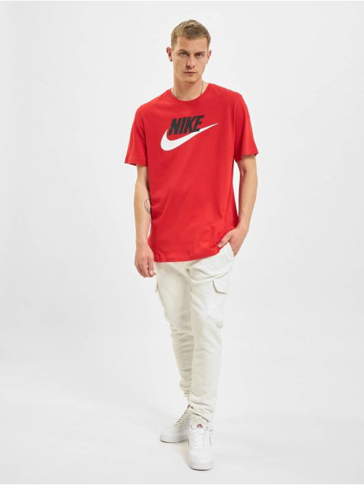 Nike T-paidat Icon Futura punainen