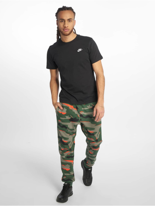 Nike T-Shirt Club black