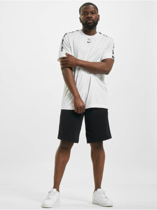 Nike T-Shirt Repeat blanc