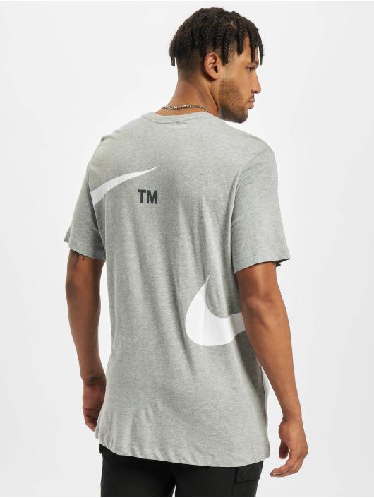Nike T-Shirt Swoosh grau