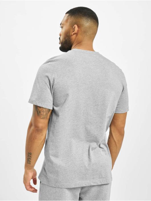 Nike t-shirt Club grijs
