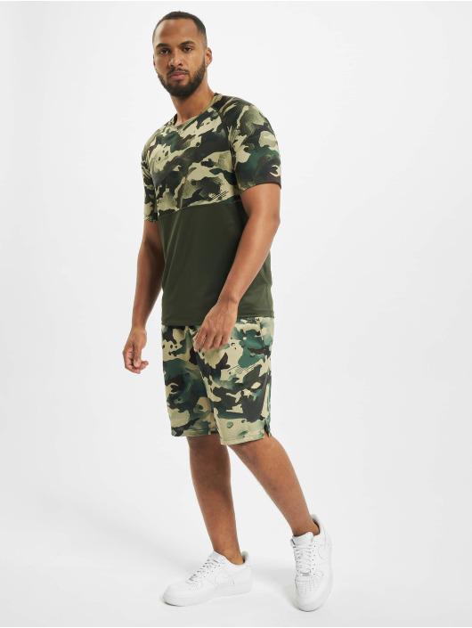 Nike T-Shirt Slim Camo grün